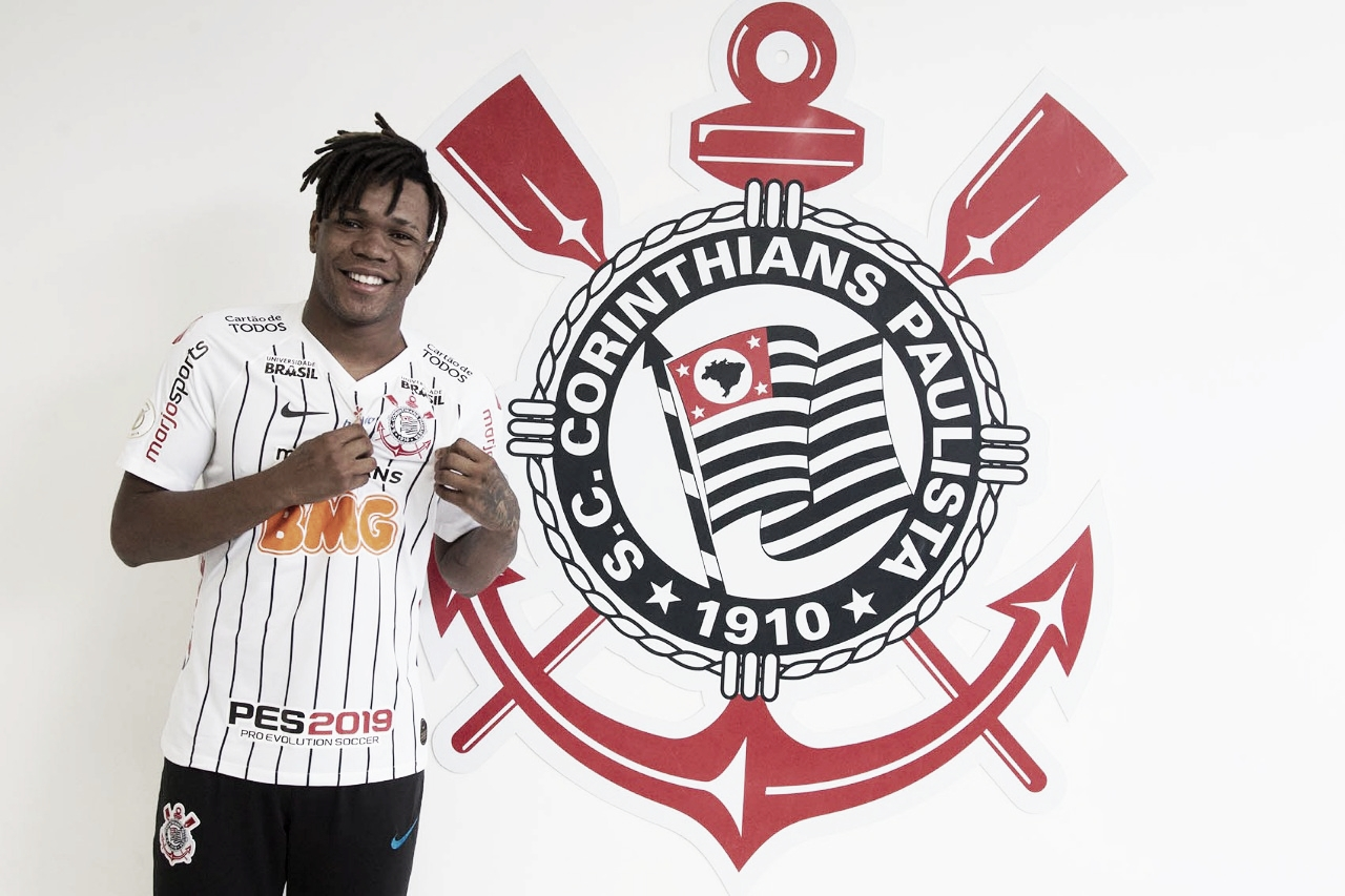 Corinthians entra em acordo com Estoril e oficializa contratação de Matheus Jesus