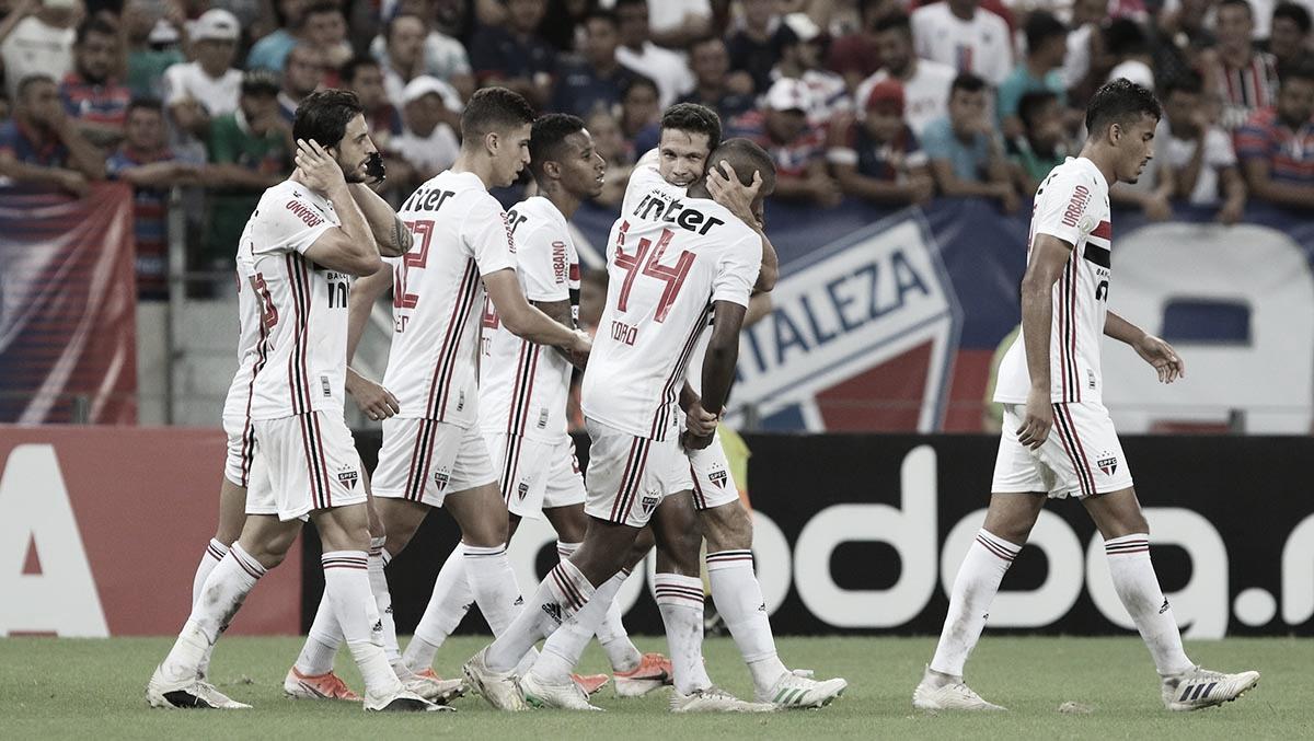 São Paulo não joga bem, mas vence Fortaleza na Arena Castelão