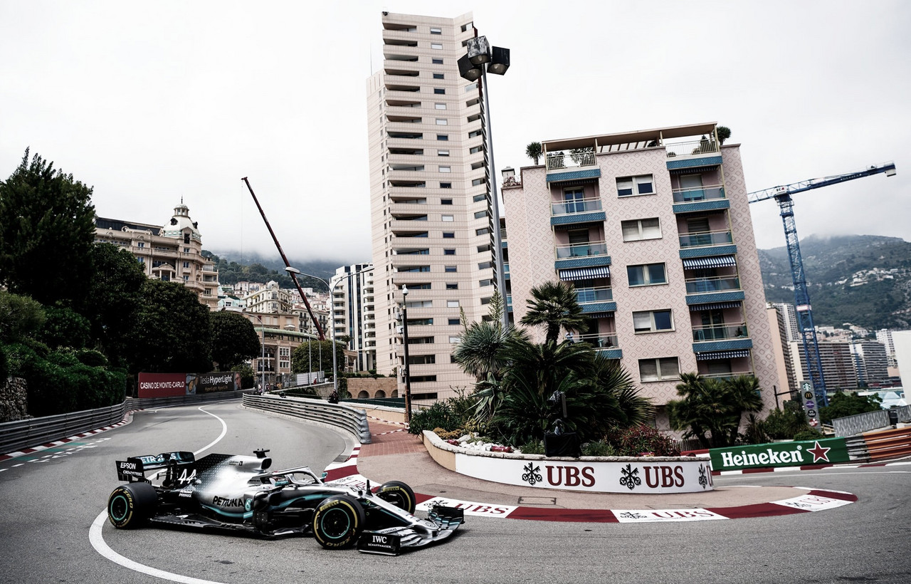 Hamilton fica com a pole no GP Mônaco; Leclerc não chega ao Q2 por erro da Ferrari