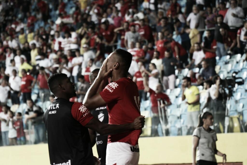 Vila Nova derrota São Bento e conquista primeira vitória em casa na Série B do Brasileirão