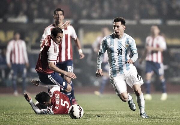 Para espantar crise, Argentina e Paraguai se cruzam no Mineirão