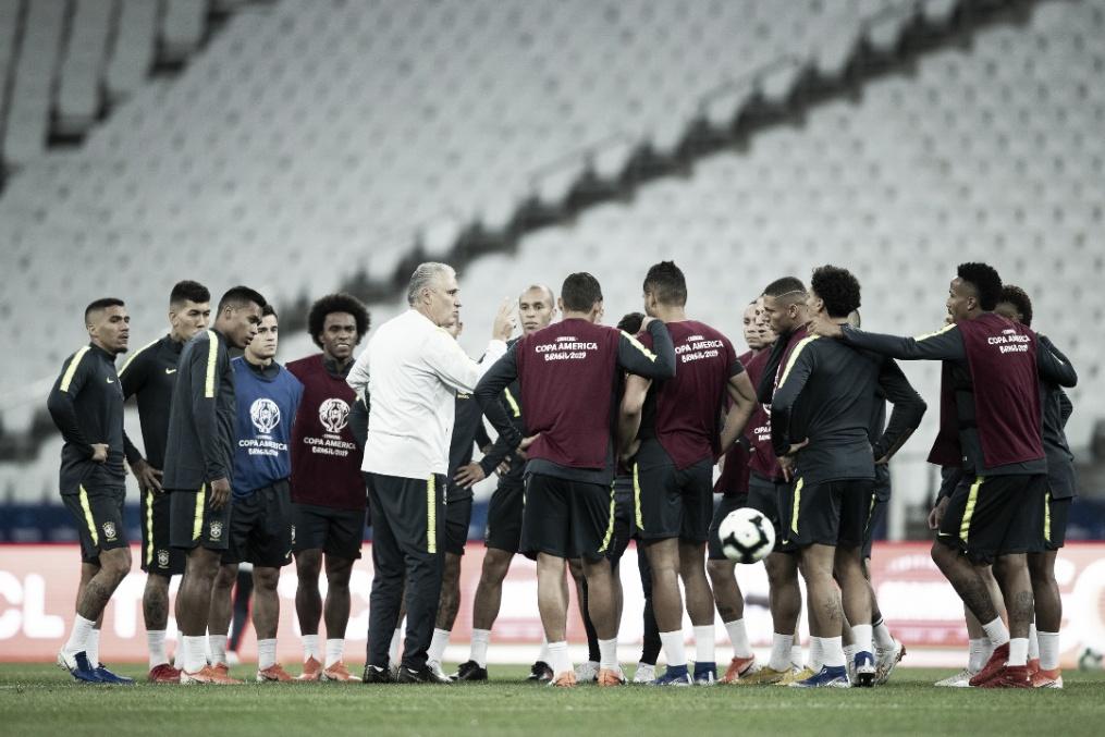 Peru e Brasil jogam pela primeira posição do Grupo A na Arena Corinthians