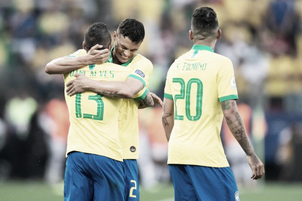 Um passeio! Brasil goleia Peru e fecha primeira fase líder do Grupo A