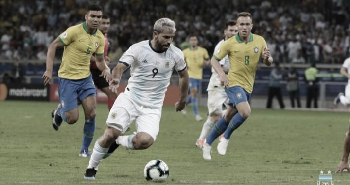 Brasil derrotó a Argentina en el clásico que definió al primer finalista de la Copa América