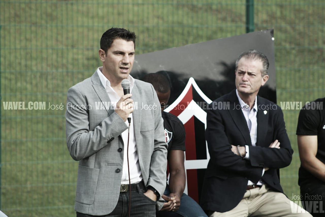 Osvaldo Martínez y Leandro Cufré se comprometen con Atlas