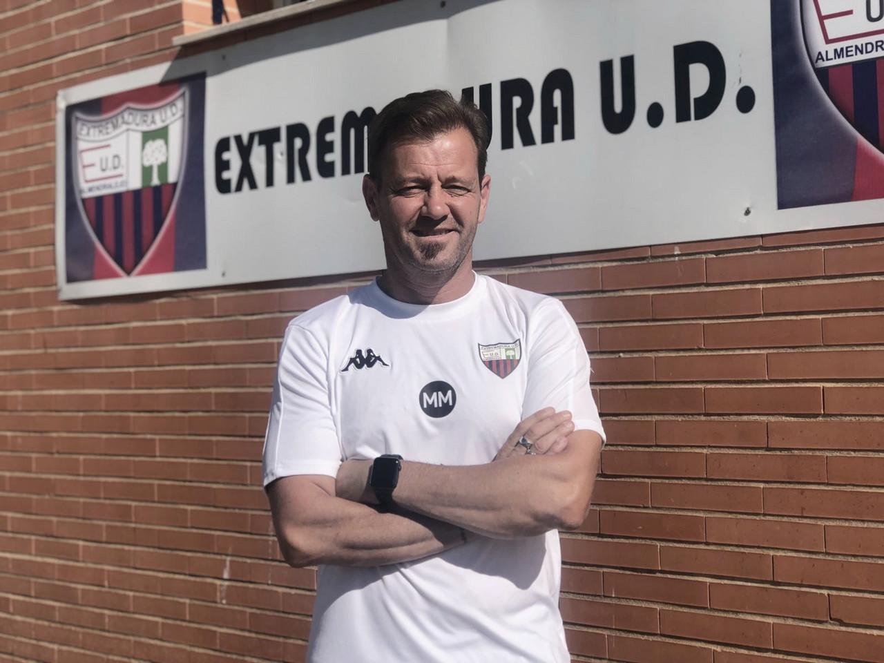 """Entrevista. Manuel Mosquera: """"Han venido jugadores muy buenos que mezclan la juventud con la experiencia"""""""