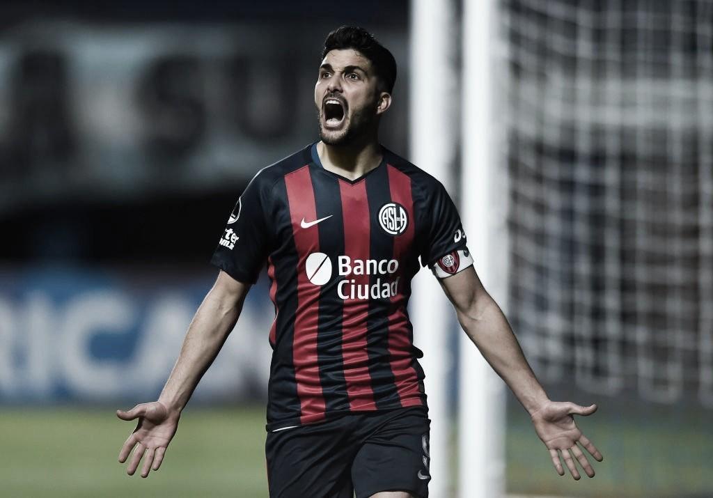 Por burocracias, Botafogo não concretiza contratações de Aimar e Blandi