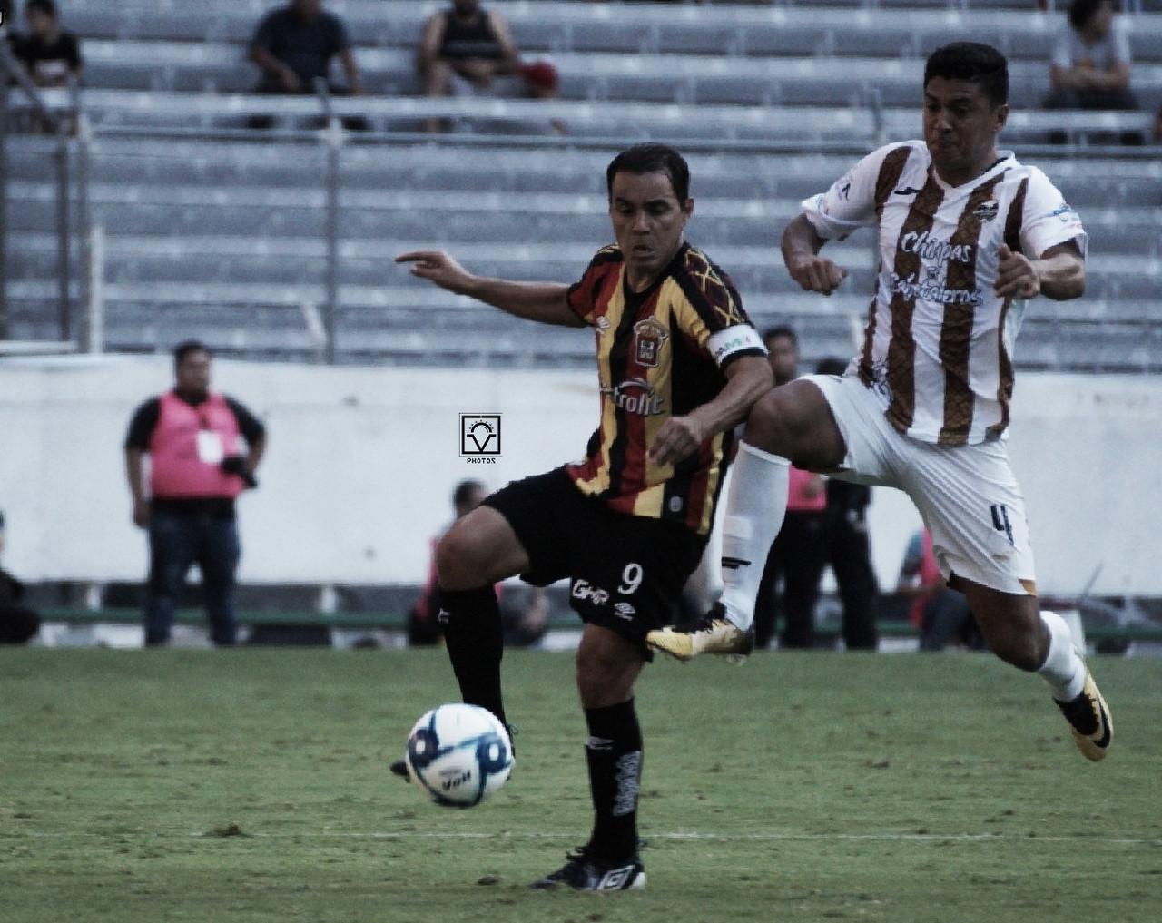 Cafetaleros vence a Leones Negros en el debut de Bravo