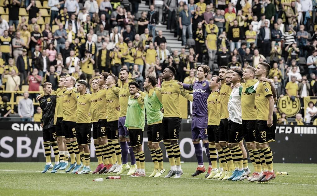 Paco Alcácer lidera goleada do Borussia Dortmund contra o Augsburg na Bundesliga
