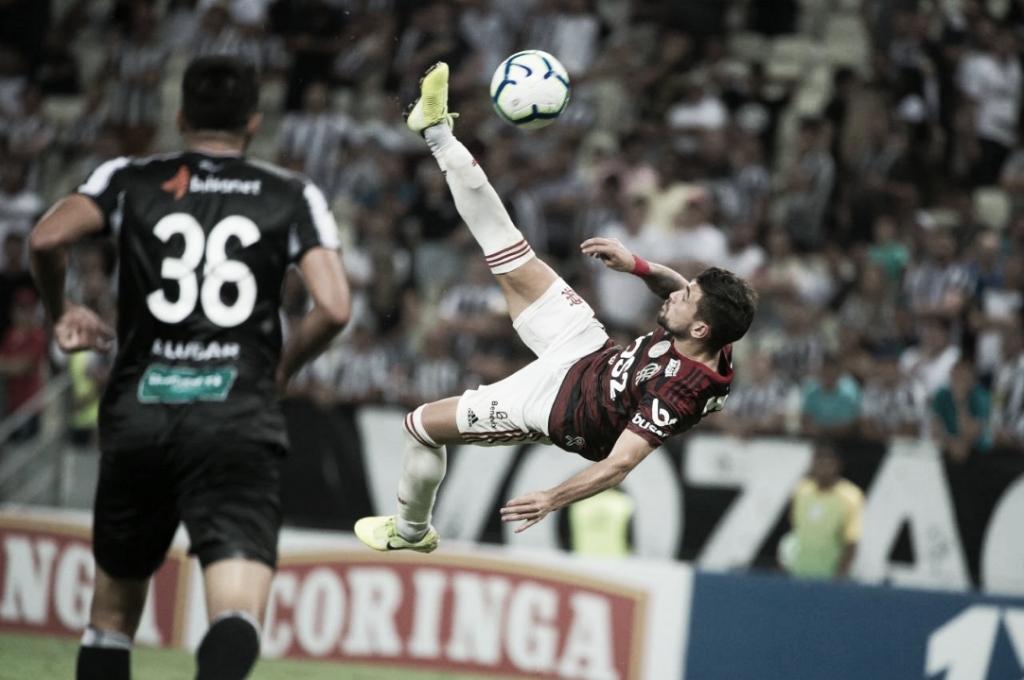 Novo líder! Fora de casa, Flamengo derrota Ceará com pintura de Arrascaeta