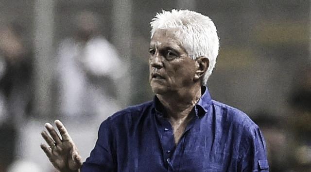 """Julio Comesaña: """"El partido fue cambiante y no pudimos marcar"""""""