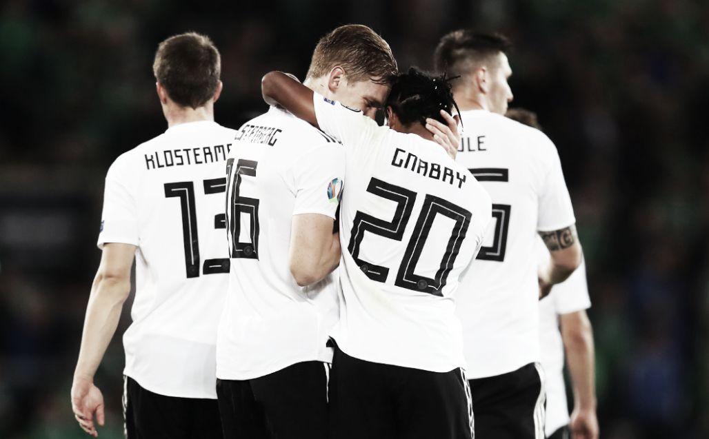 Alemanha derrota Irlanda do Norte e chega à ponta do Grupo C das Eliminatórias da Euro