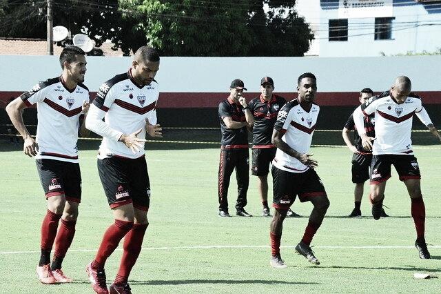 Buscando topo da tabela, Atlético-GO recebe líder Bragantino pela Série B