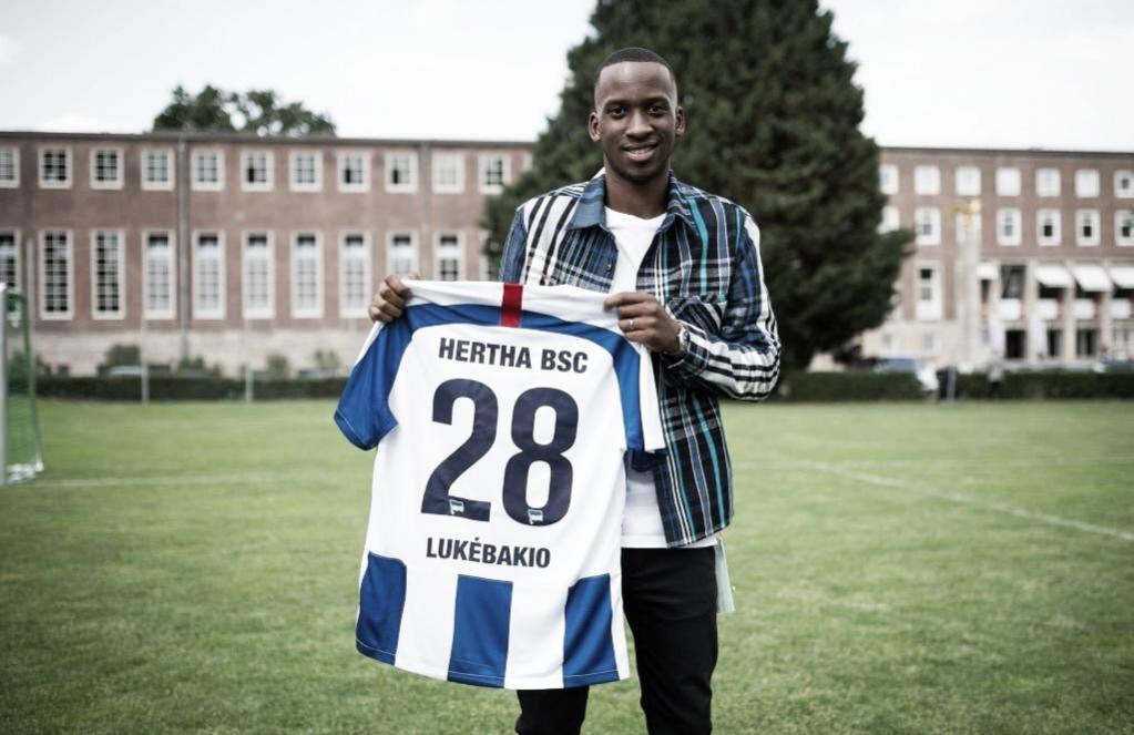 Dodi Lukébakio, a promessa ofensiva da Bundesliga
