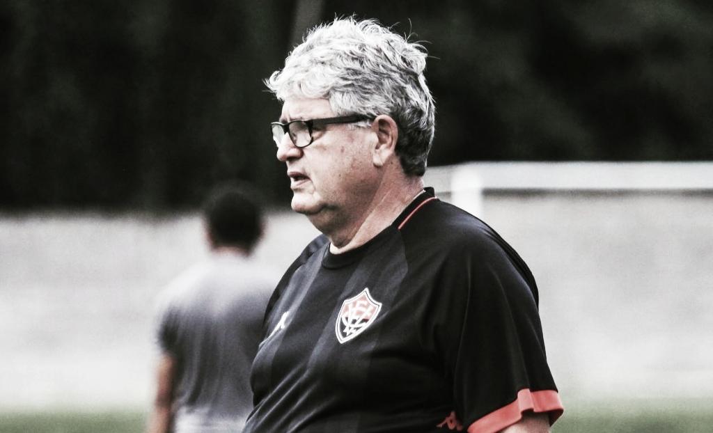 Sob novo comando, Vitória busca reabilitação contra o vice-líder Atlético-GO