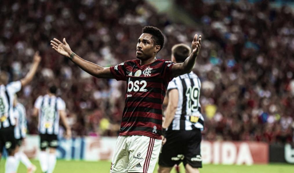 Além do gol, Vitinho diz que 'o importante era dar o nível de jogo' ao Flamengo