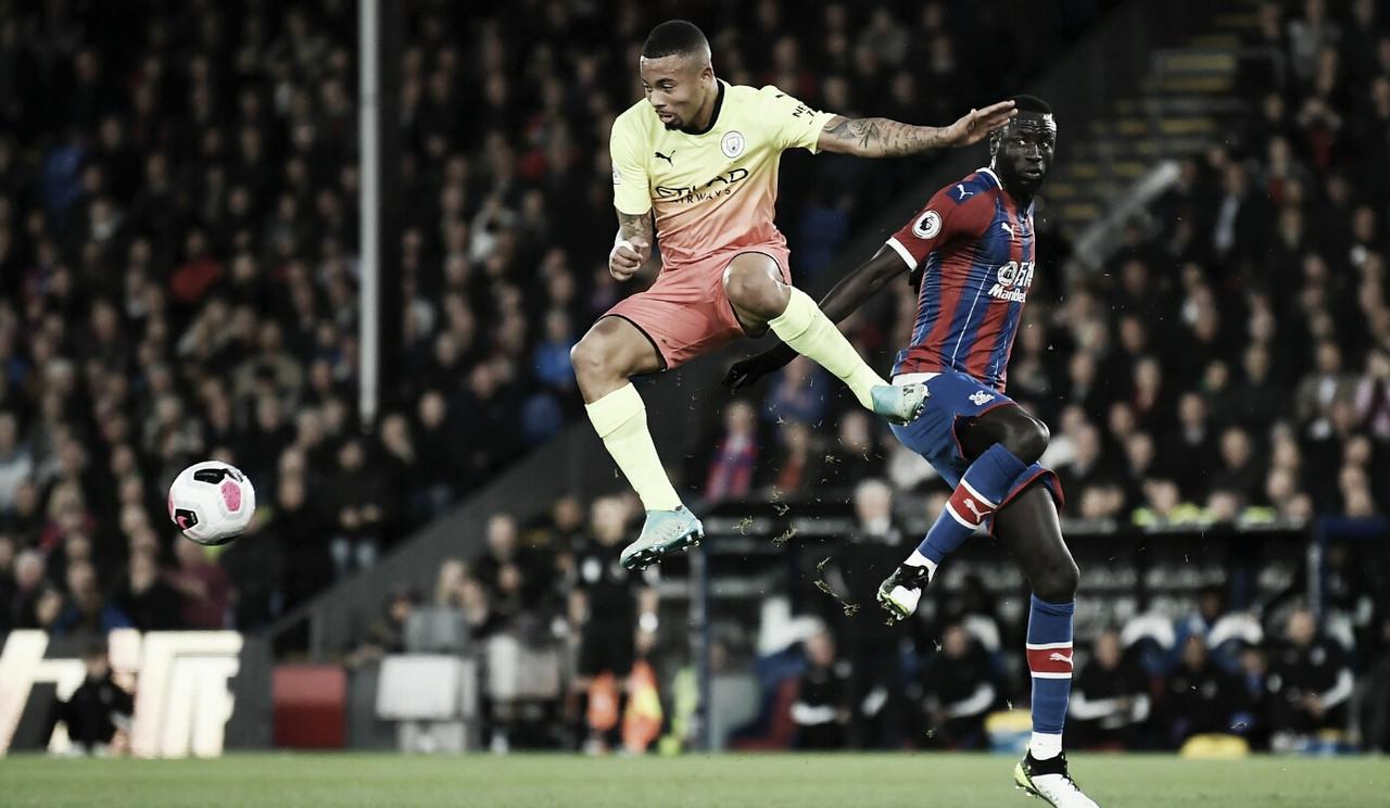 Gabriel Jesus marca, City volta a vencer e encosta na liderança da Premier League