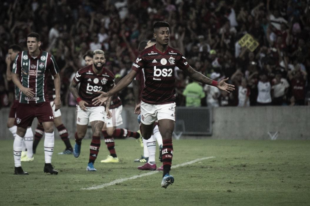 Flamengo domina Fluminense e vence com sobras no Maracanã