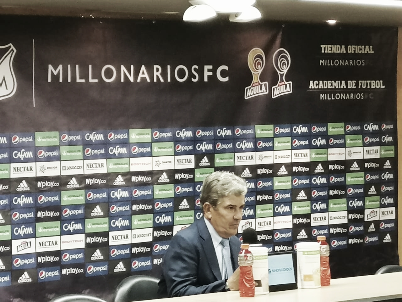 """Jorge Luis Pinto: """"Caímos en la desesperación, ese no es el fútbol de nosotros, lo de esta noche fue nefasto"""""""