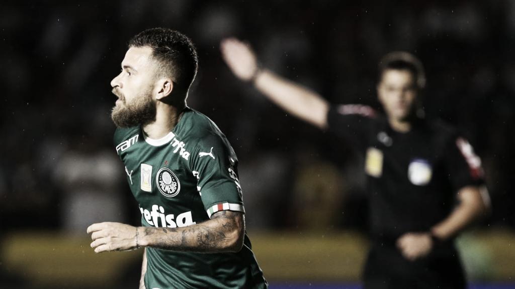 Sob polêmica do VAR, Palmeiras vence e mantém Vasco na má sequência