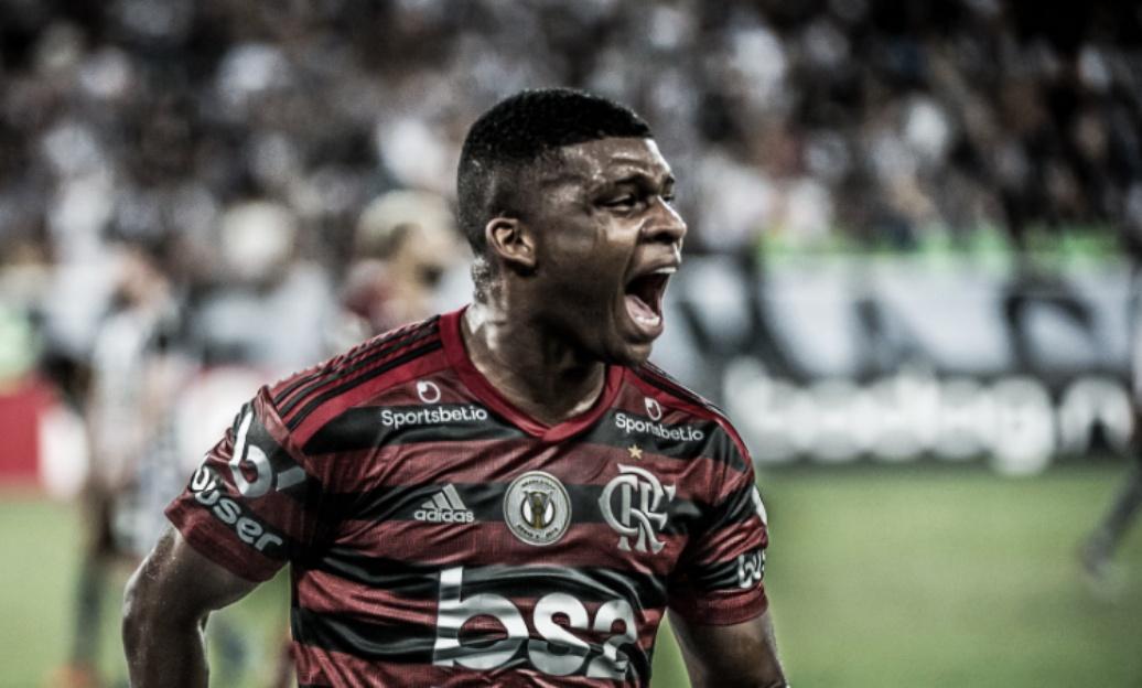 Botafogo joga bem, mas perde para Flamengo com gol no apagar das luzes