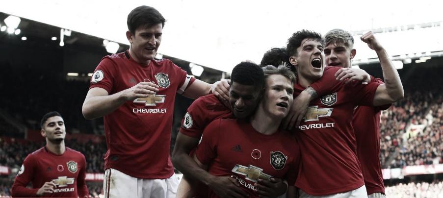 Com dose de sorte e muita intensidade, Manchester United bate Brighton e sobe na tabela