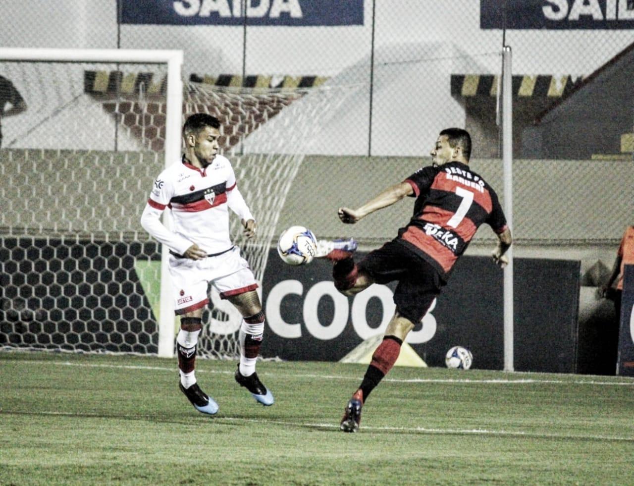 Atlético-GO goleia Oeste e segue próximo de garantir acesso à Série A