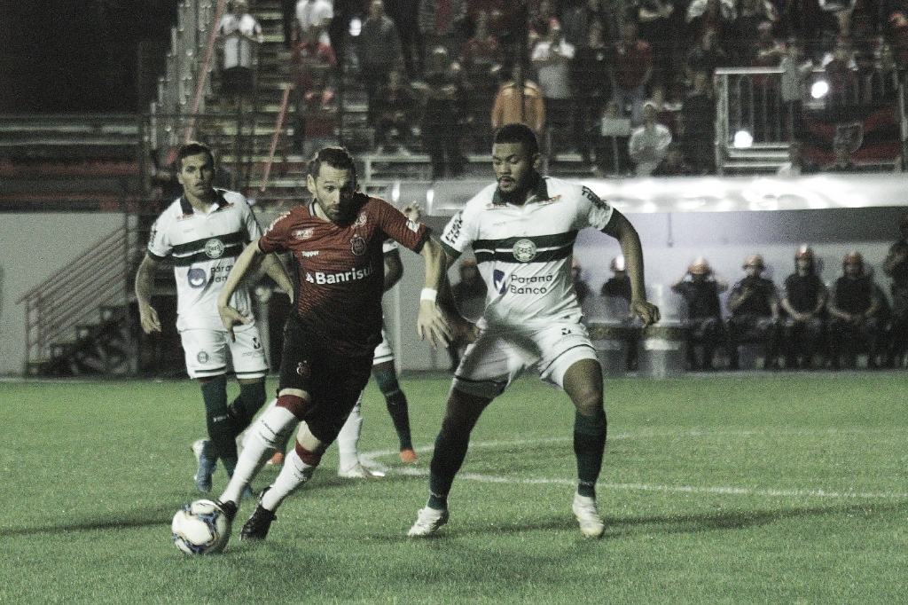 Fora de casa, Coritiba vence Brasil de Pelotas e se mantém no G-4 da Série B