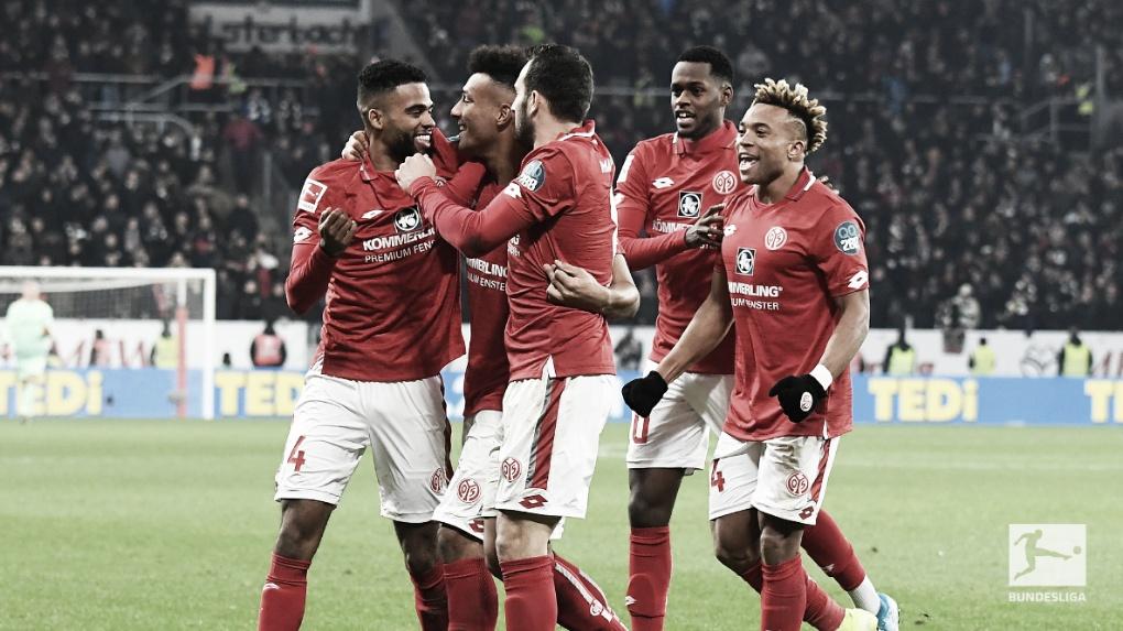 De virada! Mainz vence Eintracht Frankfurt em jogo frenético e respira na fuga da degola