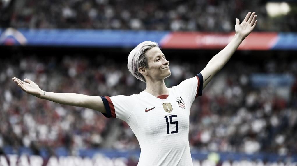 Megan Rapinoe conquista a Bola de Ouro da revista France Football