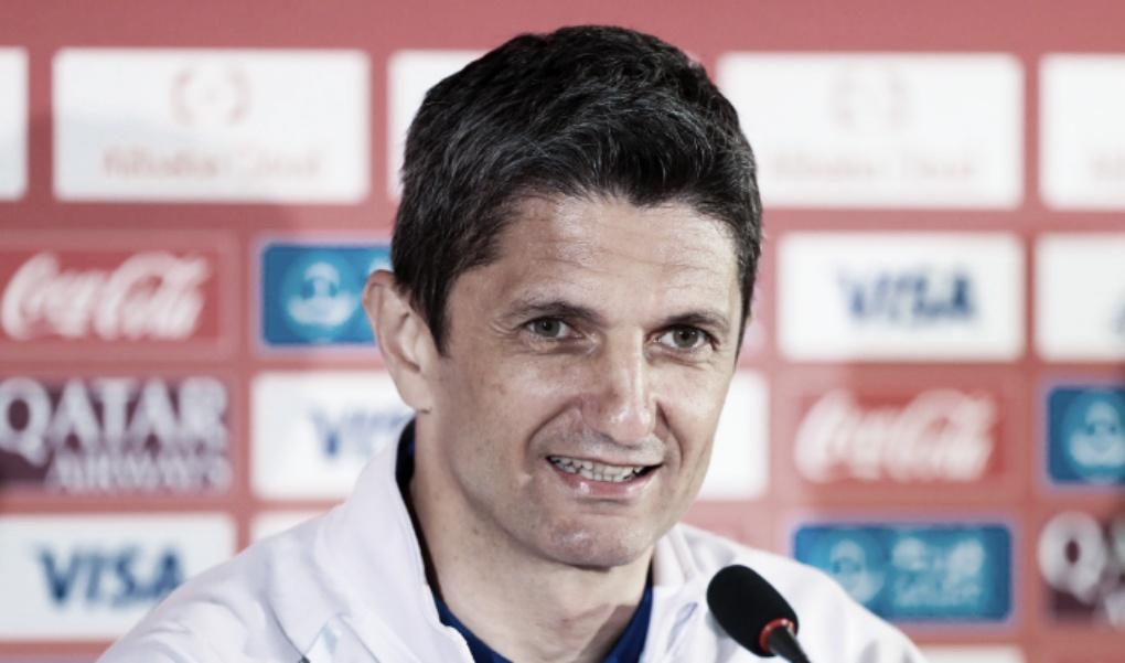"""Treinador do Al-Hilal, Lucescu diz que time mudou desde saída de Jesus: """"Totalmente diferente"""""""