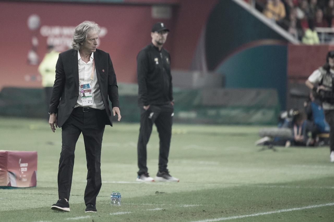 """Jorge Jesus ameniza derrota contra Liverpool: """"Jogamos contra os melhores do mundo"""""""