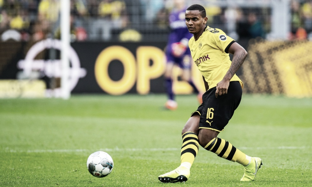 Zagueiro do Borussia Dortmund, Akanji revela autocrítica feita pelo próprio elenco