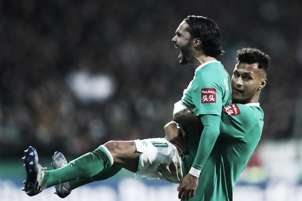 Werder Bremen domina primeiro tempo, bate Borussia Dortmund e passa na DFB Pokal