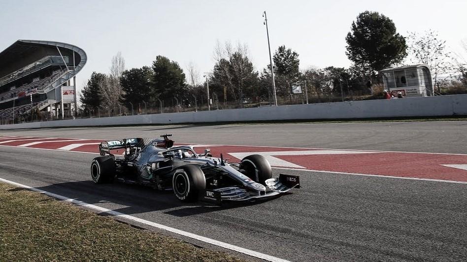 No primeiro dia de testes em Barcelona, zero novidades com o domínio das Mercedes