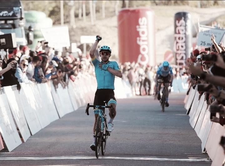 Miguel Ángel López gana la cuarta etapa en la Vuelta a Algarve