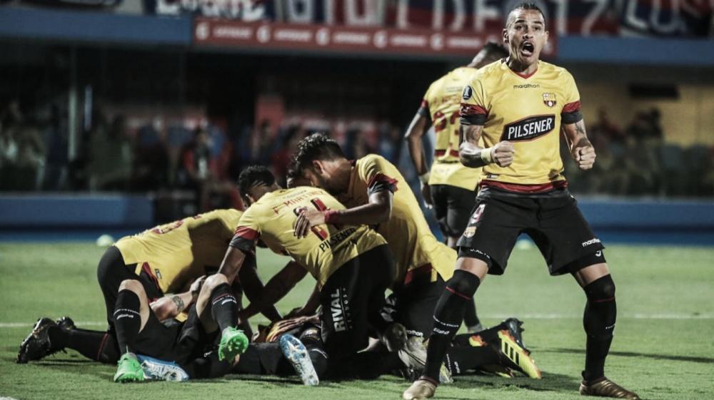 Barcelona de Guayaquil goleia Cerro Porteño e se garante no grupo do Flamengo na Libertadores