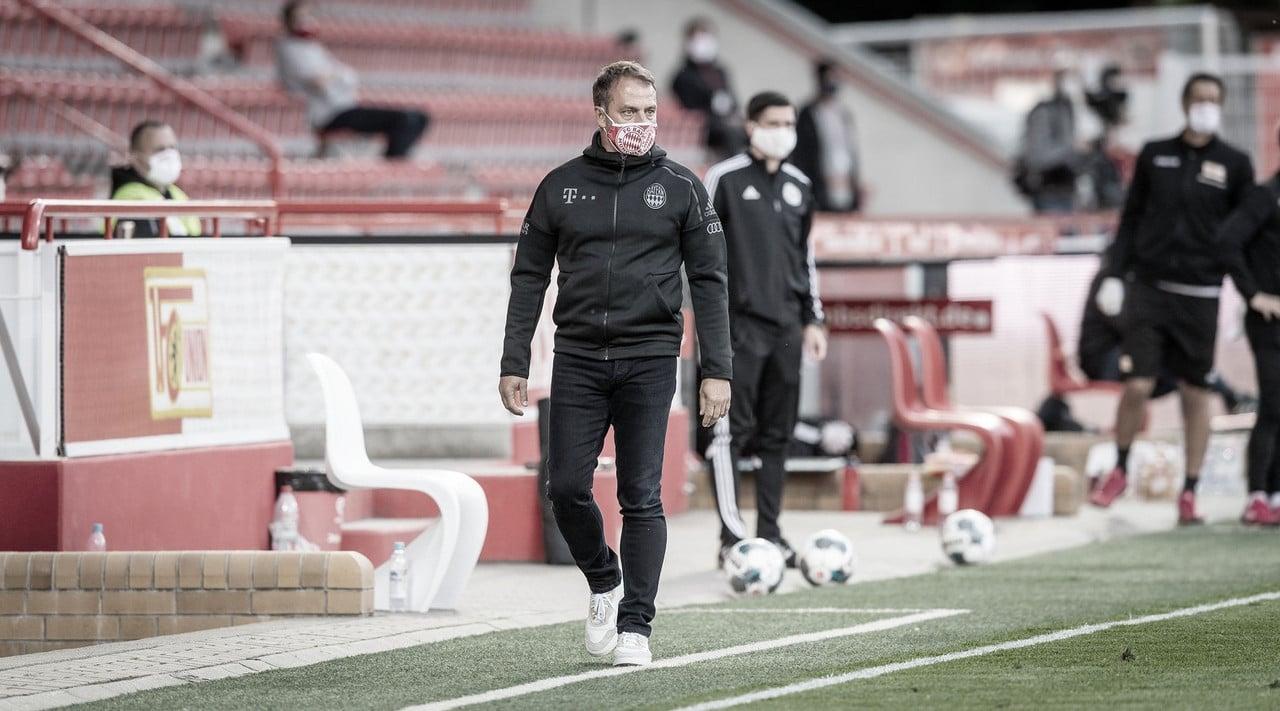 """Hansi Flick elogia atuação do Bayern contra Union Berlin: """"Foi uma vitória profissional"""""""
