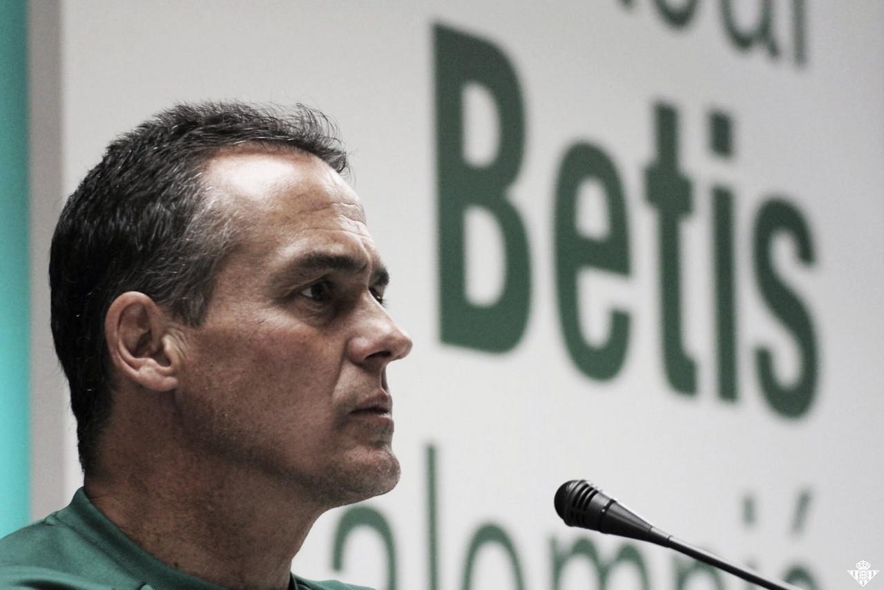 Sem vencer há três jogos, Betis troca de técnico na reta final do Espanhol