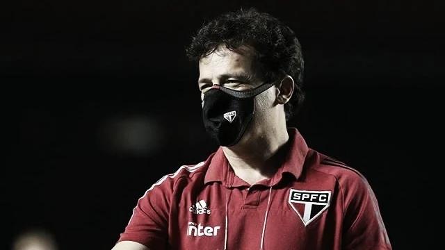 Fernando Diniz aponta erros no sistema defensivo contra RB Bragantino