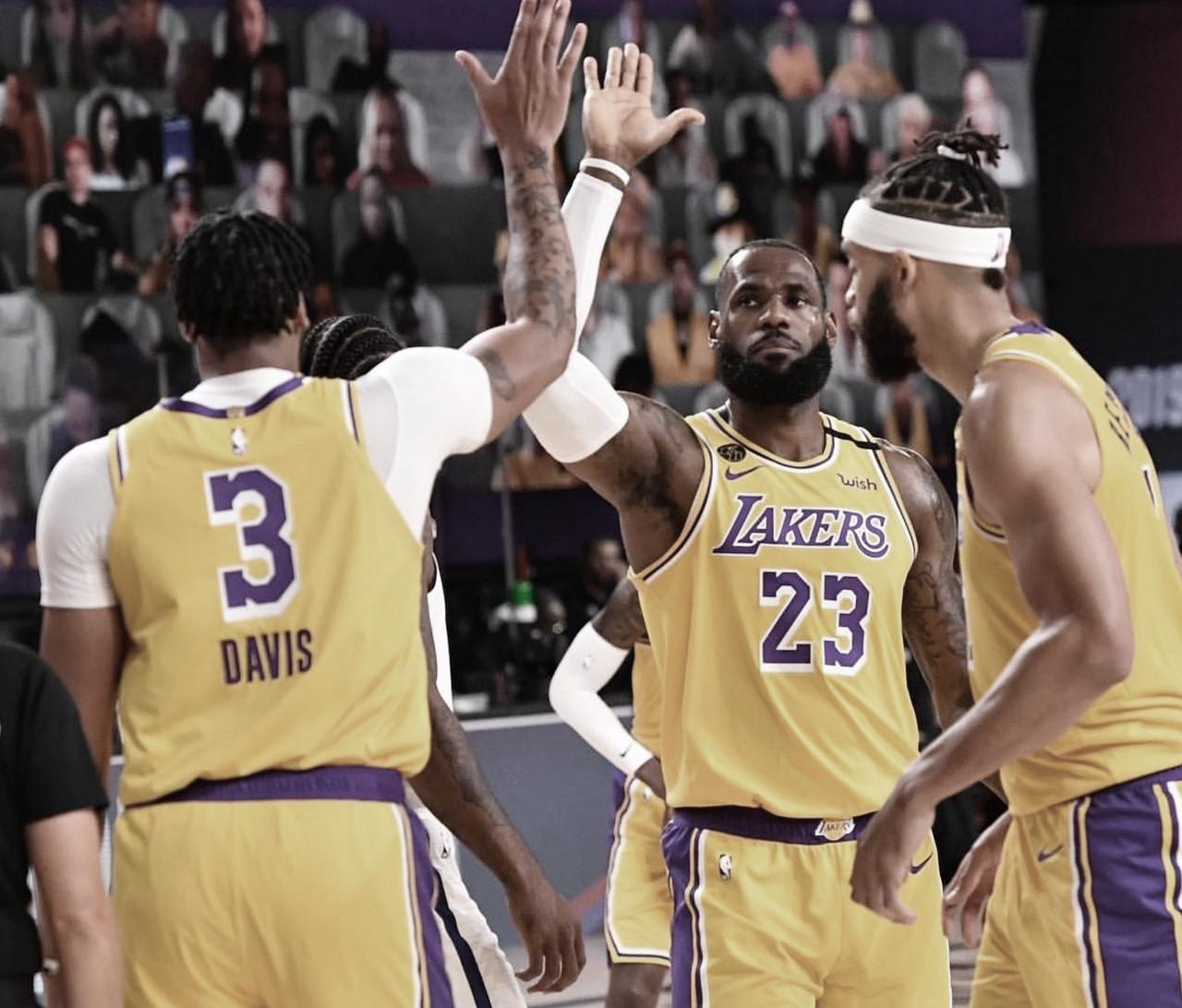 CRÓNICA: Un pobre LeBron James da la victoria a los Lakers