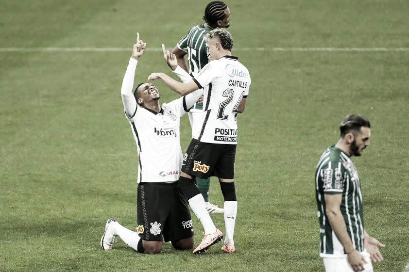 Corinthians cresce na segunda etapa e vence primeira no Brasileirão