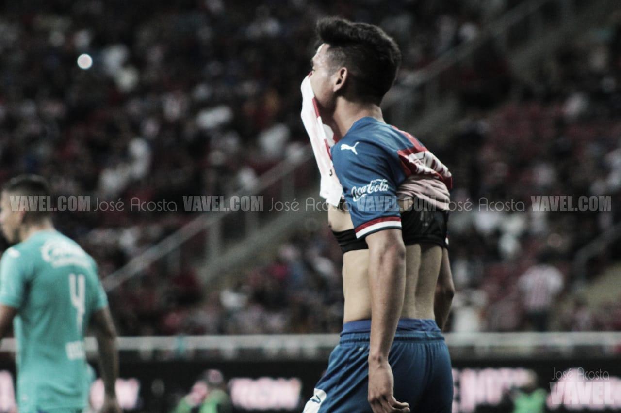 Uriel Antuna y Alexis Vega, separados del primer equipo de Chivas por indisciplina