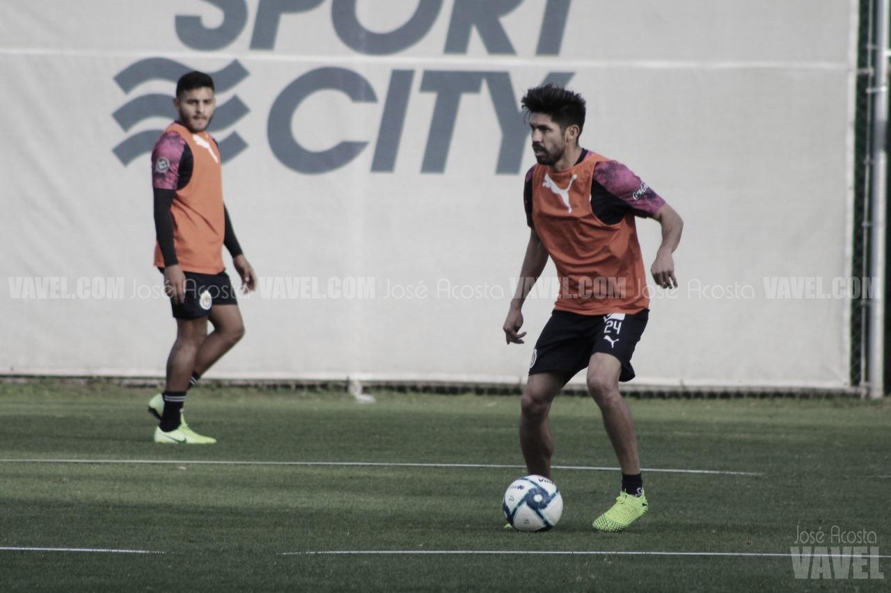 Oribe Peralta ve listo a José Juan Macías para irse a Europa