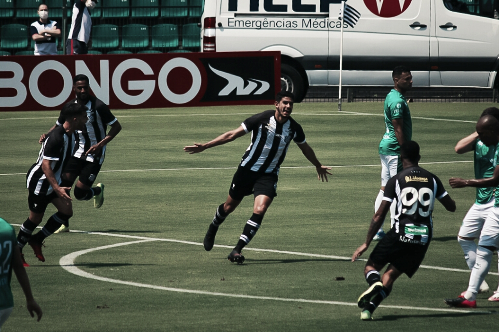 Figueirense sai atrás, marca pela primeira vez em casa na Série B e empata com Guarani