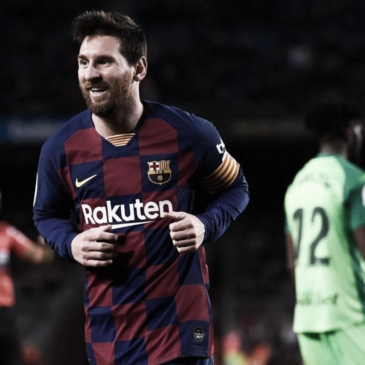 """Messi: """"Hoy día mi compromiso con esta camiseta y este escudo es total"""""""