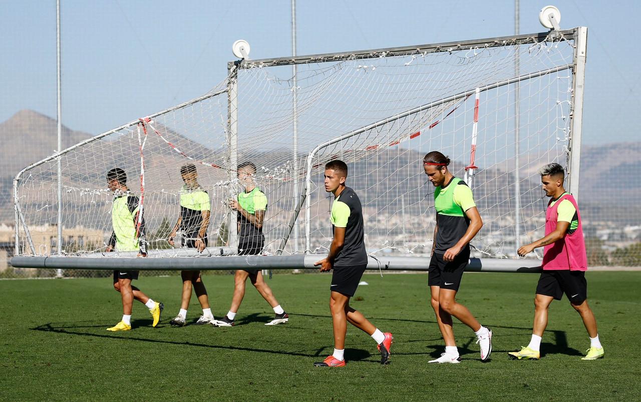 Jugadores del Recreativo Granada en un entrenamiento/ Foto: GCF