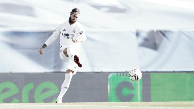 No jogo 500 de Sergio Ramos em LaLiga, Real Madrid controla Huesca, goleia e dispara na ponta da tabela