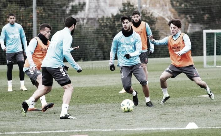 Primer entrenamiento del Real Madrid con vistas al Derbi