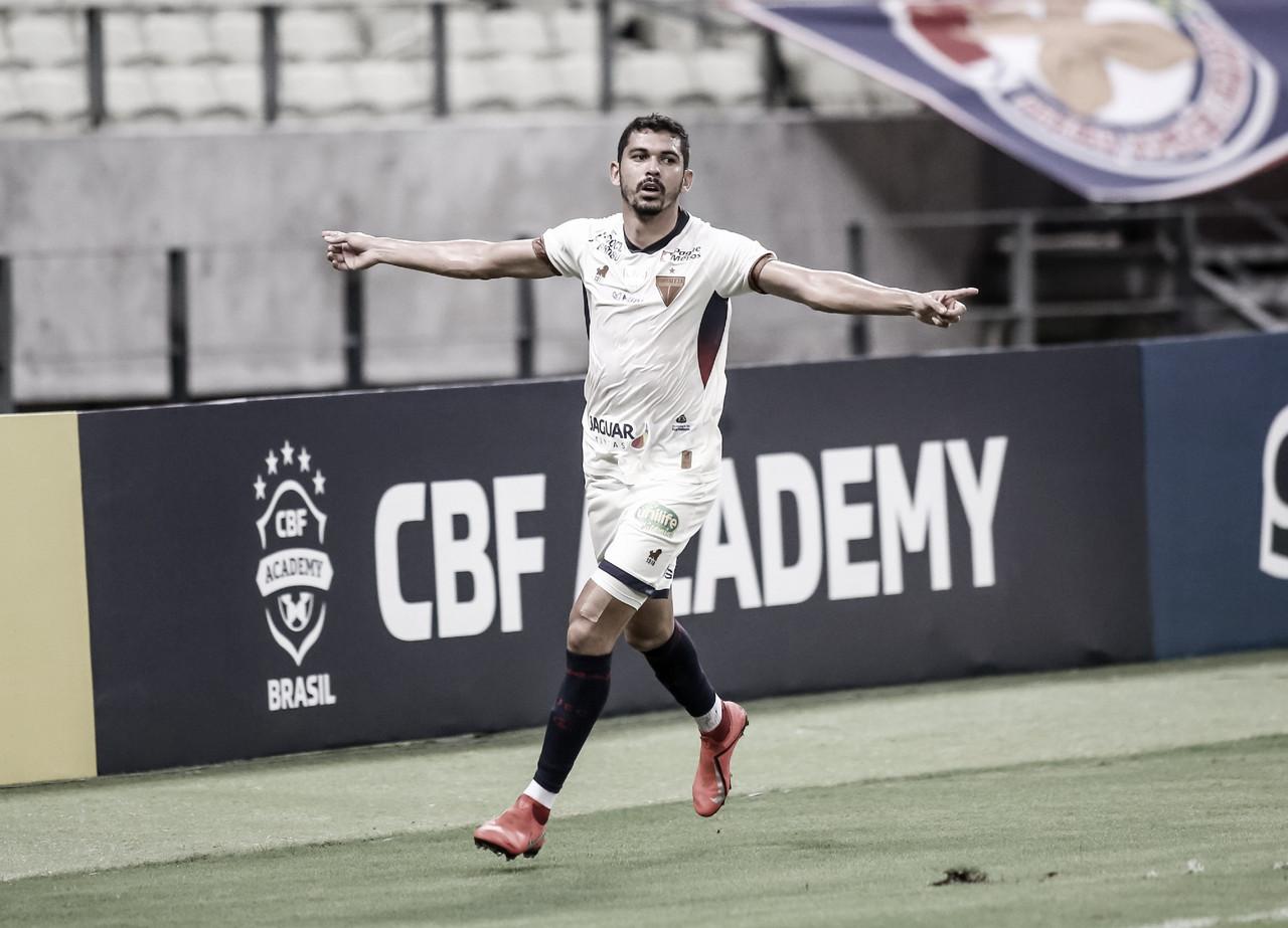 Fortaleza faz bom primeiro tempo e derrota CRB pela Copa do Nordeste